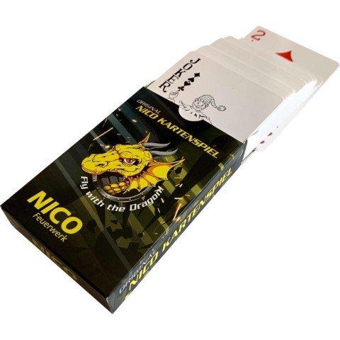 Nico Kartenspiel für die Wartezeit bis zum Feuerwerk